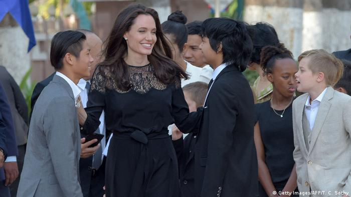 Afrika Angelina Jolie ihren Film in Kambodscha vor (Getty Images/AFP/T. C. Sothy)