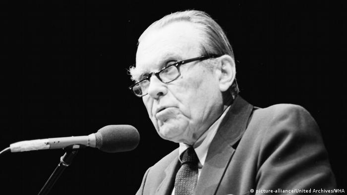 Autor Czeslaw Milosz (picture-alliance/United Archives/WHA)