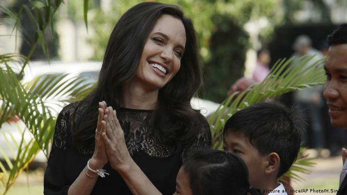 Angelina Jolie in Kambodscha (picture alliance/AP Photo/H.Sinith)