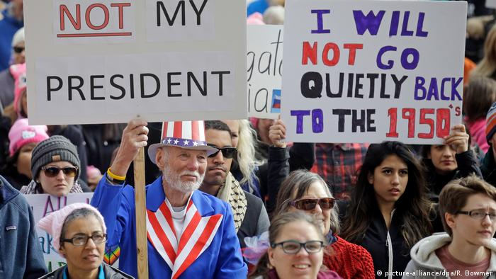 USA Proteste gegen Donald Trump in Salt Lake City (picture-alliance/dpa/R. Bowmer)