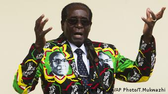 Zimbabwe Robert Mugabe (picture alliance/AP Photo/T.Mukwazhi)