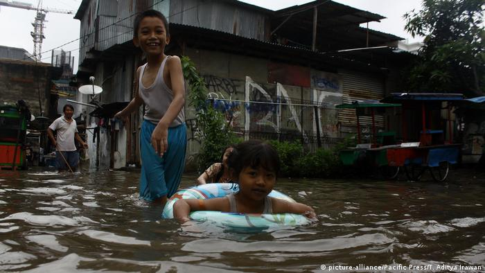 Indonesien Überschwemmung in Jakarta (picture-alliance/Pacific Press/T. Aditya Irawan)