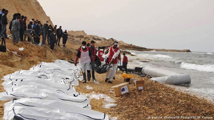 في 21 شباط/ فبراير 2017 عُثر على 74 جثة لمهاجرين جُرفت إلى الشواطئ الليبية شمالي غربي مدينة الزاوية، حيث لقوا حتفهم بعد غرق المركب الذي كانوا يحاولون العبور به إلى أوروبا.وبدا صف طويل من أكياس الجثامين البيضاء والسوداء على الشاطئ، في صور نشرها فرع الزاوية للهلال الاحمر الليبي على صفحته على فيسبوك.