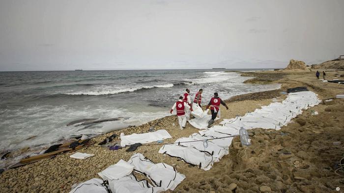 Libyen Tote Flüchtlinge an der Küste nahe Zawiya