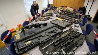 Wuppertal weapons (picture-alliance/dpa/R. Weihrauch)