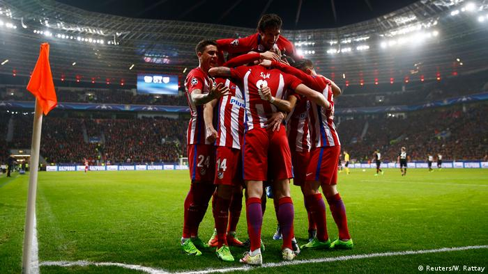Fußball Champions-League Bayer Leverkusen - Atletico Madrid (Reuters/W. Rattay)