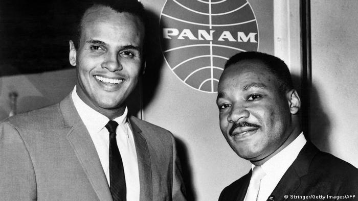Harry Belafonte with Martin Luther King in New York (Getty Images/AFP/Stringer)
