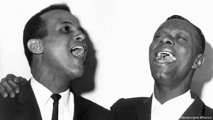 Harry Belafonte and Nat King Cole in New York (picture-alliance/dpa/UPI)