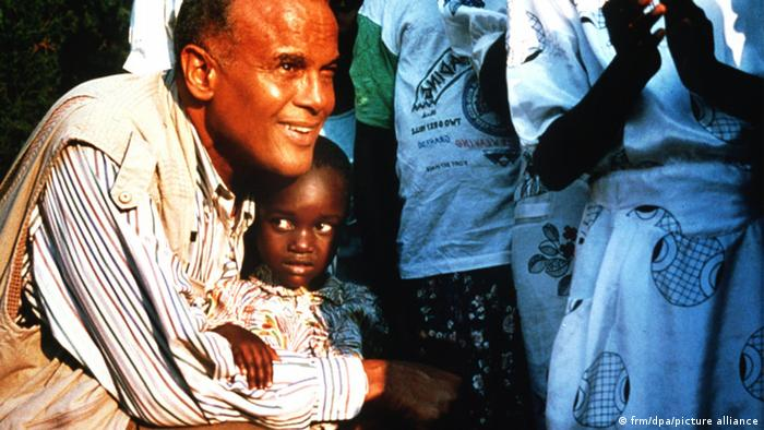 UNICEF Goodwill Ambassador Harry Belafonte in Kigali (picture-alliance/dpa/frm)