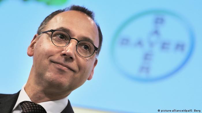 Голова правління Bayer AG Вернер Бауманн