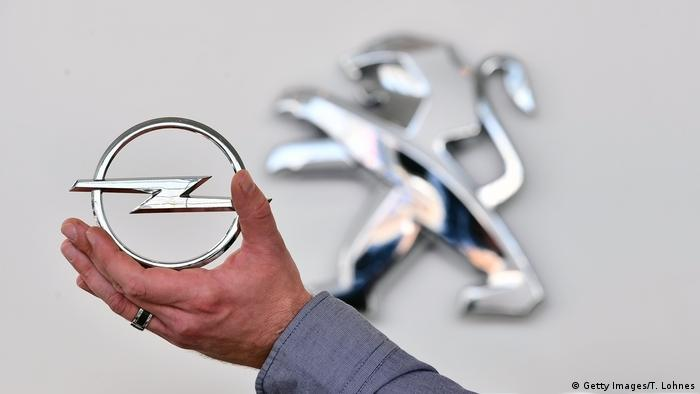 Opel, PSA logos (Getty Images/T. Lohnes)