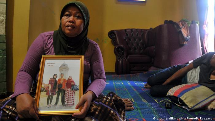 Indonesien Familie der Verdächtigen Siti Aisyah (picture-alliance/NurPhoto/D. Roszandi)