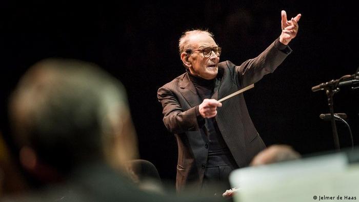 Ennio Morricone conducting an orchestra (Jelmer de Haas)