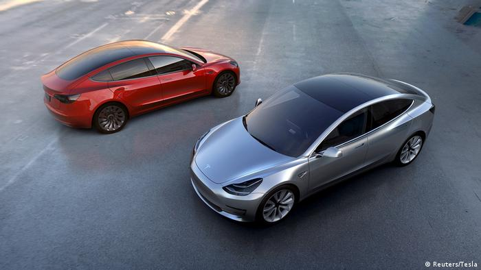 Tesla Motors Modell 3 electric cars (Reuters/Tesla)
