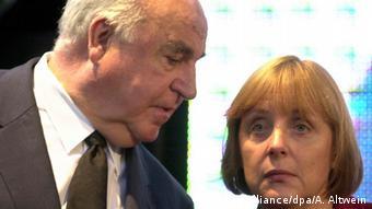 Гельмут Коль и Ангела Меркель (фото из архива)