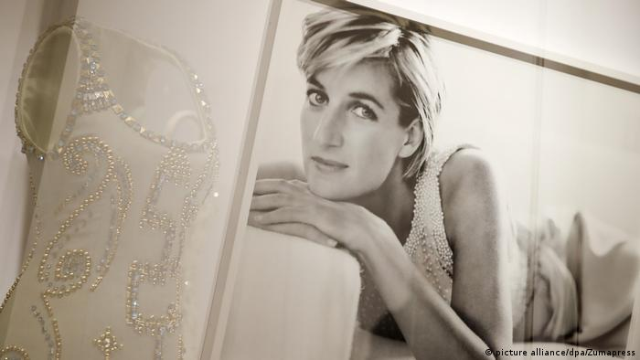 eee51c6b7a9 Princess Diana  Dresses that tell a story