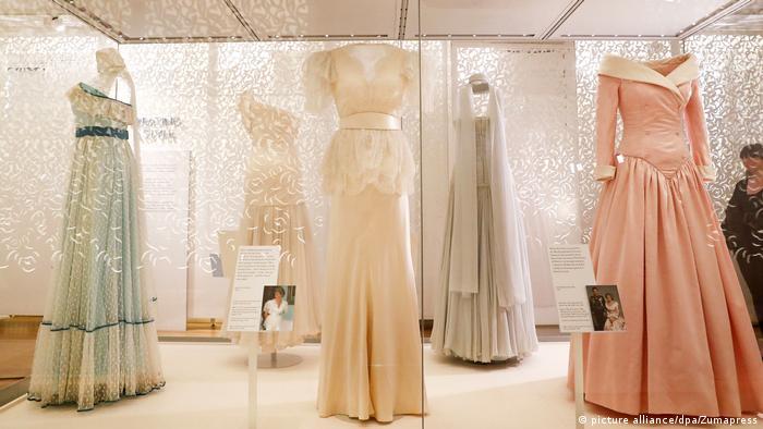 Diana 's dresses showcased (picture alliance/dpa/Zumapress)