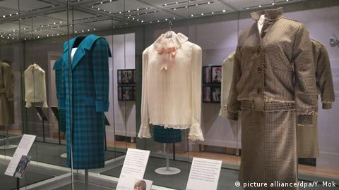 Diana Her Fashion Story Ausstellung London (picture alliance/dpa/Y. Mok)