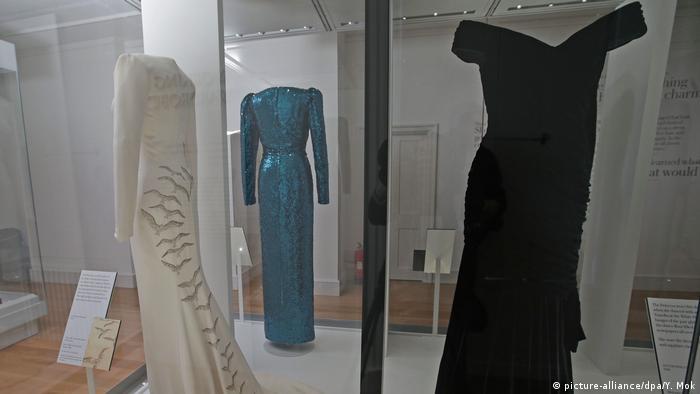 Großbritannien London Kleid Diana (picture-alliance/dpa/Y. Mok)