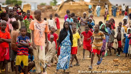 Πρωτοβουλία Μακρόν για το προσφυγικό