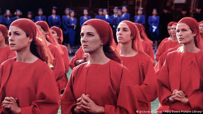 Filmstill The Handmaid's Tale (picture-alliance / Mary Evans Picture Library)