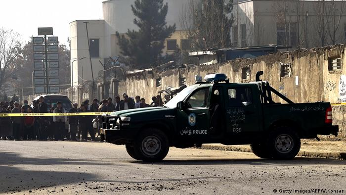 Afghanistan Polizei Kabul Absperrung Bombe (Getty Images/AFP/W.Kohsar)