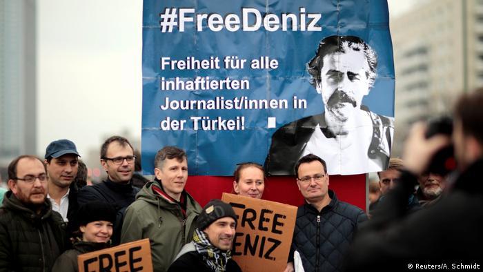 Deutschland Demo für die Freilassung von Welt-Korrespondent Deniz Yücel