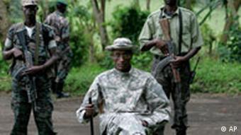 Tutsi-Rebellenchef Nkunda in seinem Bergversteck: Angriff ist die beste Verteidigung