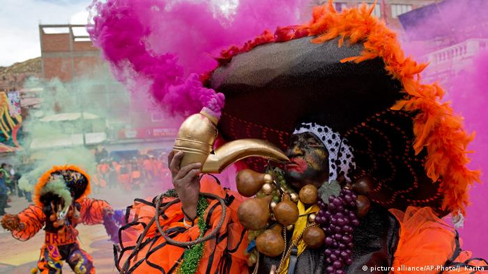 Karneval von Oruro in Bolivien (picture alliance/AP-Photo/J. Karita)