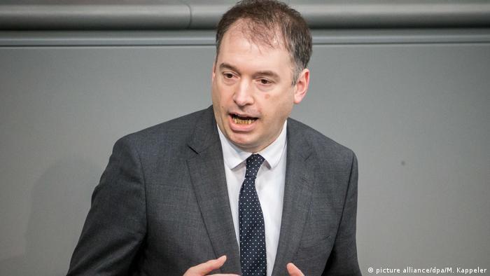 German minister Niels Annen speaking in Parliament