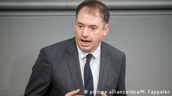 O Νιλς Άνεν είναι εκπρόσωπος της Κοινοβουλευτικής Ομάδας των γερμανών Σοσιαλδημοκρατών για θέματα εξωτερικής πολιτικής,