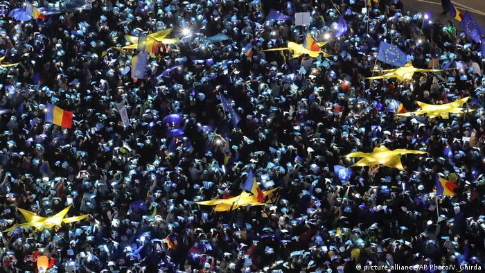 Proteste, Bucuresti, 26.02.2017 (picture alliance/AP Photo/V. Ghirda)