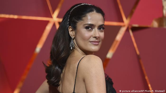 Salma Hayek at the 2017 Academy Awards