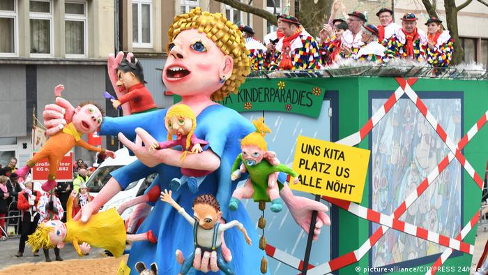 KULTUR - Rosenmontagszug Koeln 2017 (picture-alliance/CITYPRESS 24/Krick)