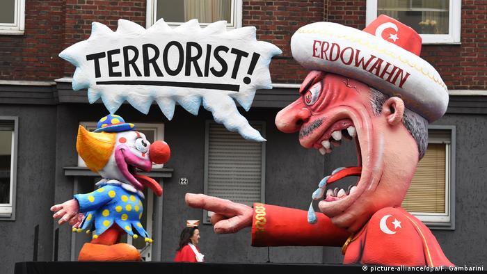Ердоган звинувачує в тероризмі безневинного клоуна