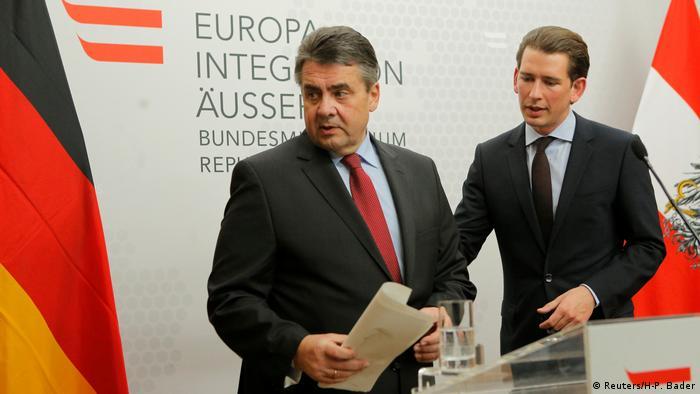 Österreich Sigmar Gabriel trifft Sebastian Kurz (Reuters/H-P. Bader)