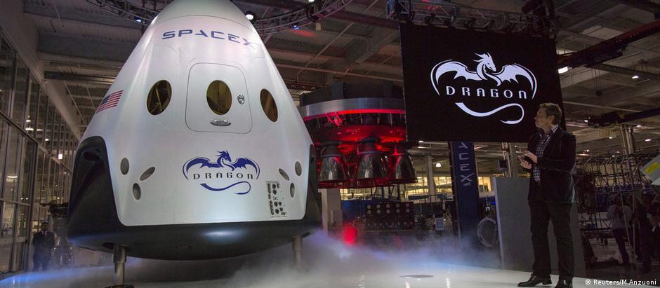 Musk durante a apresentação da aeronave Dragon, em maio de 2014