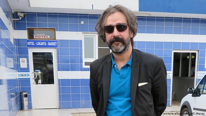 Журналист Дениз Юджел
