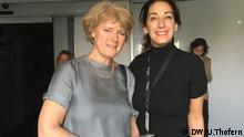 Kulturstaatssekretäein Monika Grütters im Museo de la Memoria y Tolerancia. Im Bild mit der Leiterin für internationale Beziehungen, Sonia Arakelian.