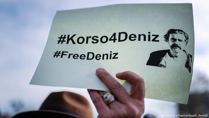 Deutschland Solidaritätsaktion für in Türkei inhaftierten Journalisten (picture-alliance/dpa/A. Arnold)