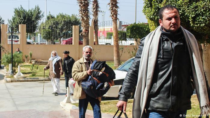 Ägypten Kopten fliehen nach Angriffe auf der Sinai Halbinsel (Getty Images/AFP)
