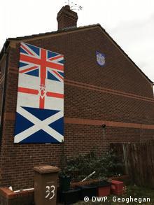 Nordirland Wahlen Unionisten-Symbol auf ein Haus in Belfast