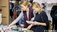 Women at the Vilnius Book Fair (V. Balkûnas)