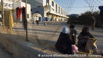 Για ένα διάστημα ο χώρος του πρώην αεροδρομίου φιλοξένησε δομές για πρόσφυγες