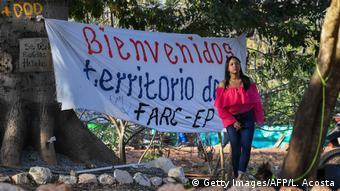 Kolumbien | Farc-Rebellen wollen mit Übergabe von Waffen beginnen (Getty Images/AFP/L. Acosta)
