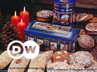 Winterzeit ist Lebkuchenzeit - aber schon Ende August eines jeden Jahres beginnt die Nürnberger Lebkuchenindustrie mit der Produktion des traditionsreichen Gebäcks.  Besondere Sorgfalt verwenden die Hersteller auf die Auswahl von Lebkuchendosen und Lebkuchentruhen. Die fantasievollen und nostalgischen Behältnisse sind echte Sammlerstücke.