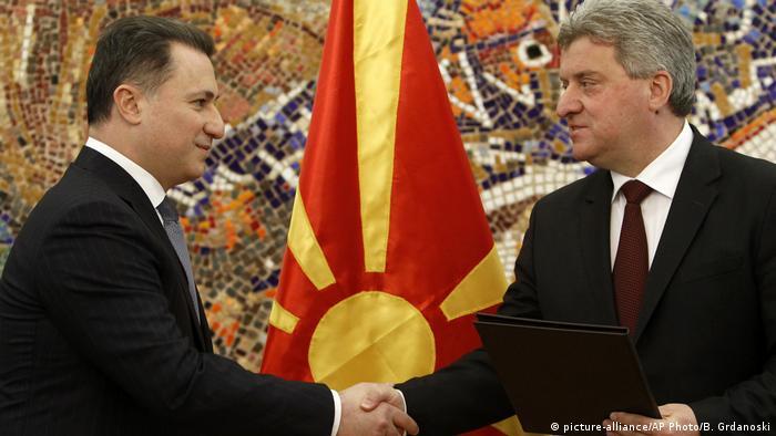 Mazedonien Gjorge Ivanov und Nikola Gruevski (picture-alliance/AP Photo/B. Grdanoski)