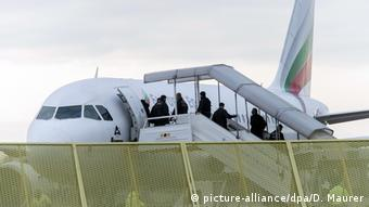 Deutschland Abschiebung von Asylsuchenden (picture-alliance/dpa/D. Maurer)