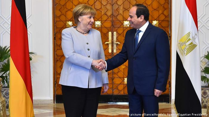 Ägypten Angela Merkel & Abdel Fattah-al-Sisi (picture-alliance/Anadolu Agency/Egyptian Presidency)