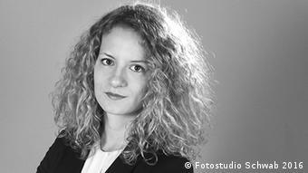 Silvia Steininger - Politologin und Juristin beim Heidelberger Institut für Internationale Konfliktforschung (Fotostudio Schwab 2016)
